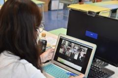 老師與家長以網上形式交流-2
